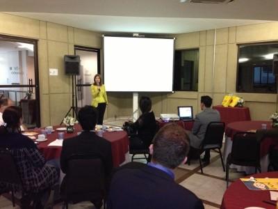 Ety Cristina Forte Carneiro, diretora-executiva do Hospital Pequqeno Príncipe fala para parceiros de São Paulo.
