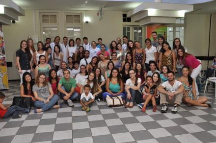 Os alunos de Medicina da FPP no Hospital Pequeno Príncipe: lição de amor à vida.