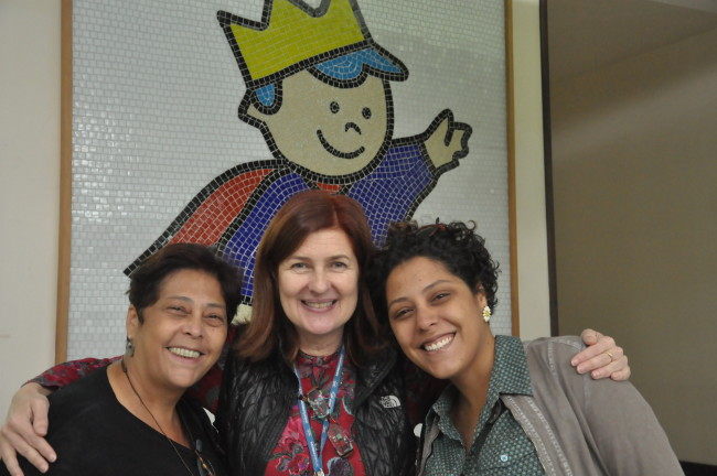 A chef Kátia Barbosa, a diretora executiva do Hospital Ety Cristina Forte Carneiro e a chef Bianca Barbosa