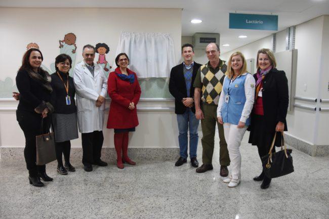 Autoridades, representantes do MPT-PR e do Complexo Pequeno Príncipe participaram da inauguração do novo lactário.