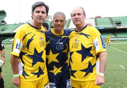 Caio Júnior, Alex e Levir Culpi durante o Torneio Gols pela Vida, em 2012