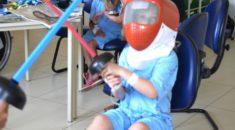 Oficina de esgrima inspira pacientes do  Pequeno Príncipe