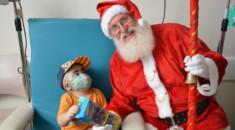 Pequeno Príncipe recebe visita especial do Papai Noel e show de mágicas