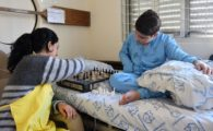 Voluntários do Pequeno Príncipe participam de oficinas que destacam o papel fundamental do brincar para as crianças