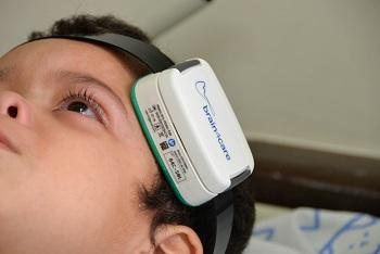 Monitorização não invasiva de pressão intracraniana
